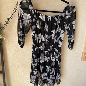 Essue Black Floral Dress Size Small